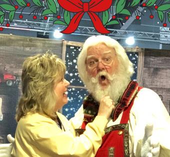 shoulder flax-pax on Santa